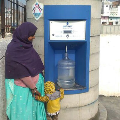 woman-and-child-with-water-atm