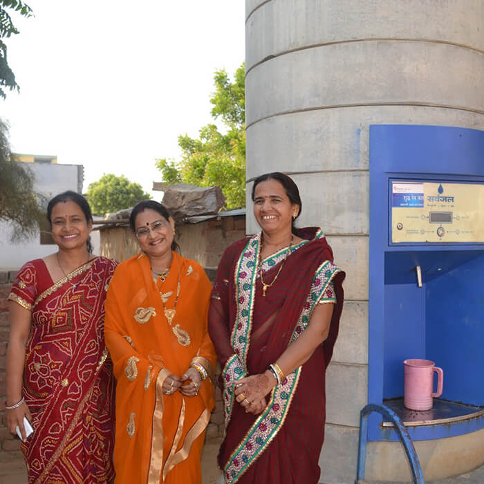 ladies-with-water-atm